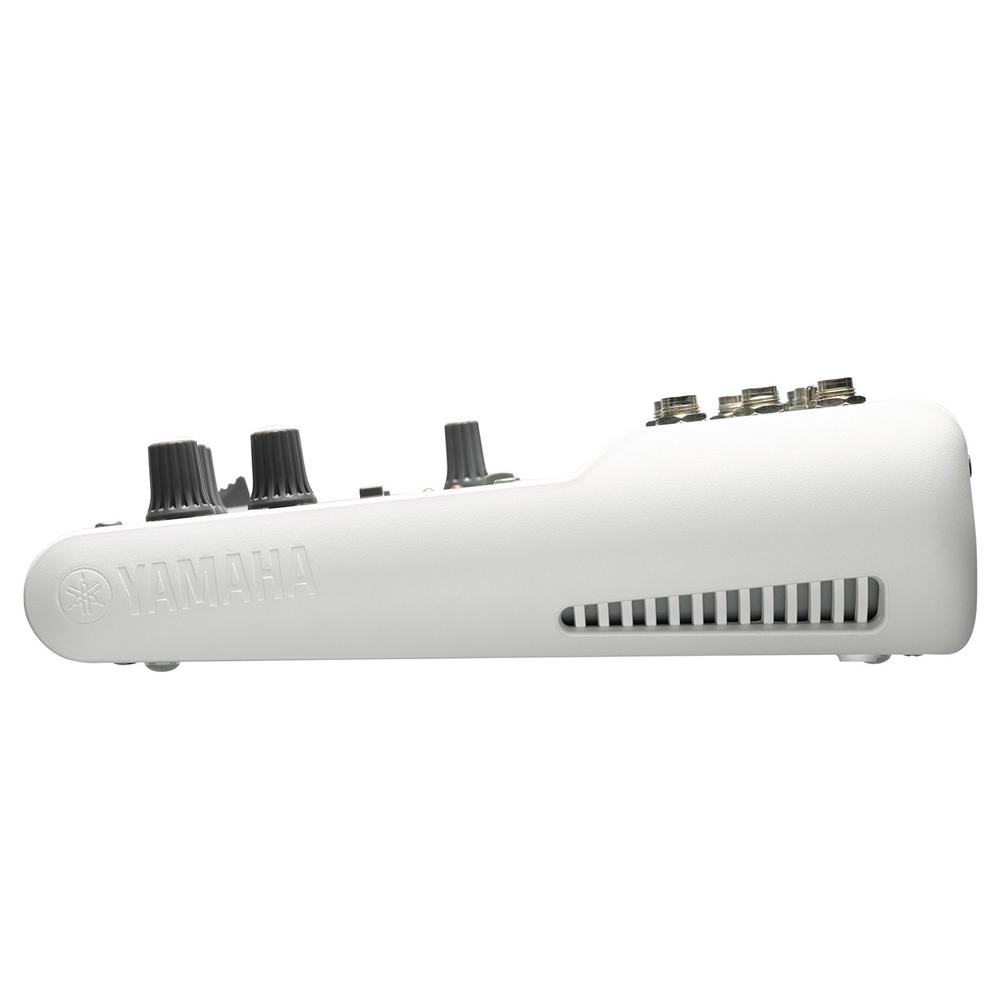 Аналоговый микшерный пульт Yamaha AG03